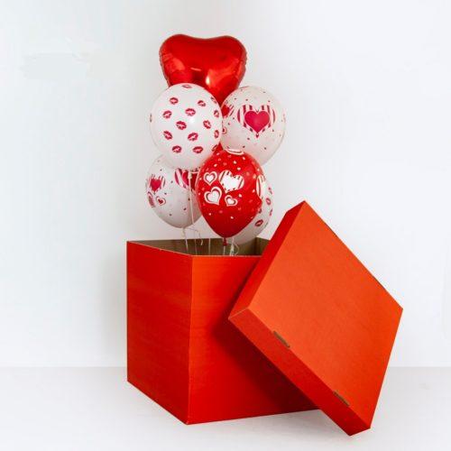 Коробка сюрприз с воздушными шарами Сердца и поцелуи