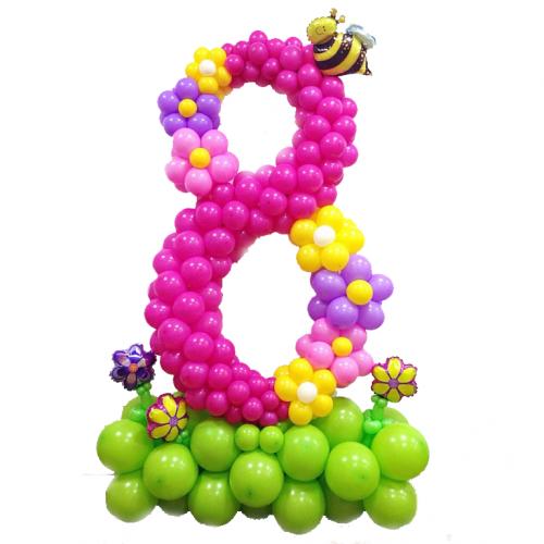 Стойка из воздушных шаров с цифрой 8 Фуксия с пчелкой