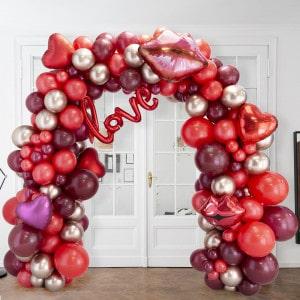 Арка Ассорти из воздушных шаров Красная с надписью Любовь