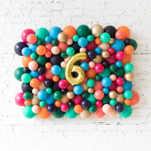 Панно из воздушных шаров и Цифра 6 Золото