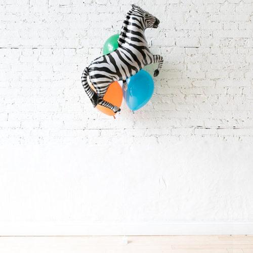 Фонтан из 3 воздушных шаров Зебра