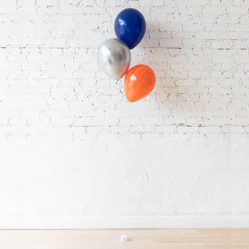 Фонтан из 3 воздушных шаров с Космический микс