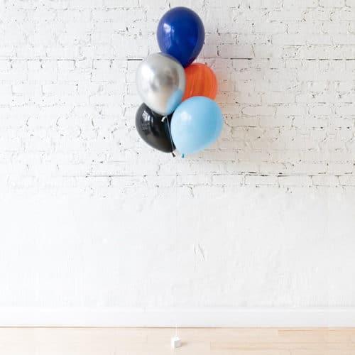 Фонтан из 5 воздушных шаров с Космический микс