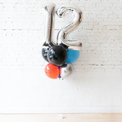 Фонтан из 6 воздушных шаров с Цифрой 12 Серебро