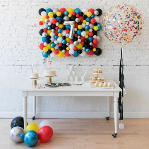 Комплект из воздушных шаров Панно Большой шар и Шары на пол Бэтмен против Супермена